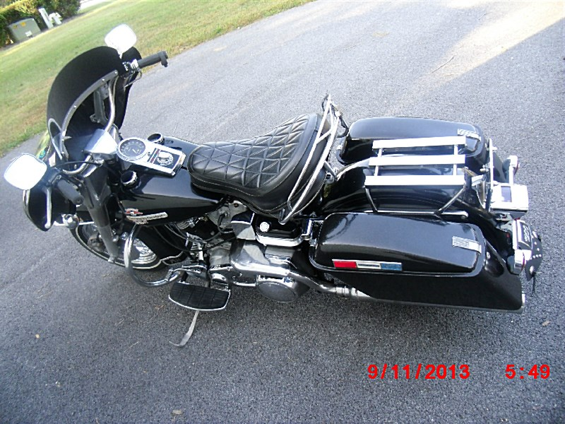 Picture Of Black With Silver Metal Flake 1976 Harley