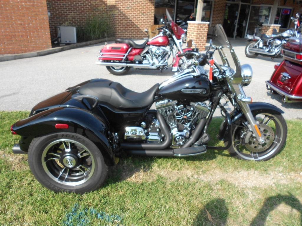 2015 Harley-Davidson® FLRT Freewheeler™ – $24000