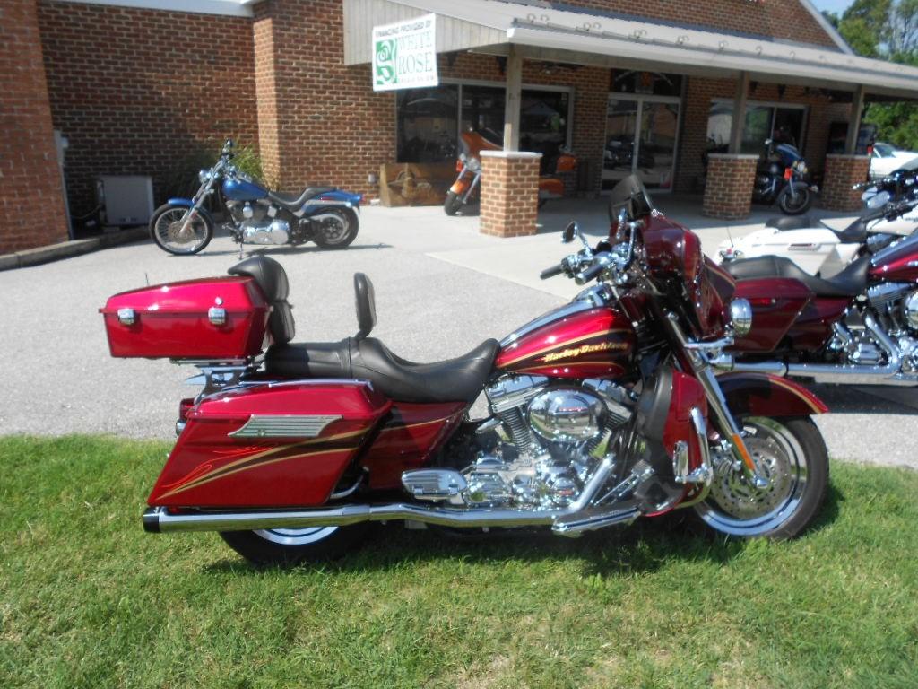 2005 Harley-Davidson® FLHTCSE2 Screamin' Eagle® Electra Glide® – $15900