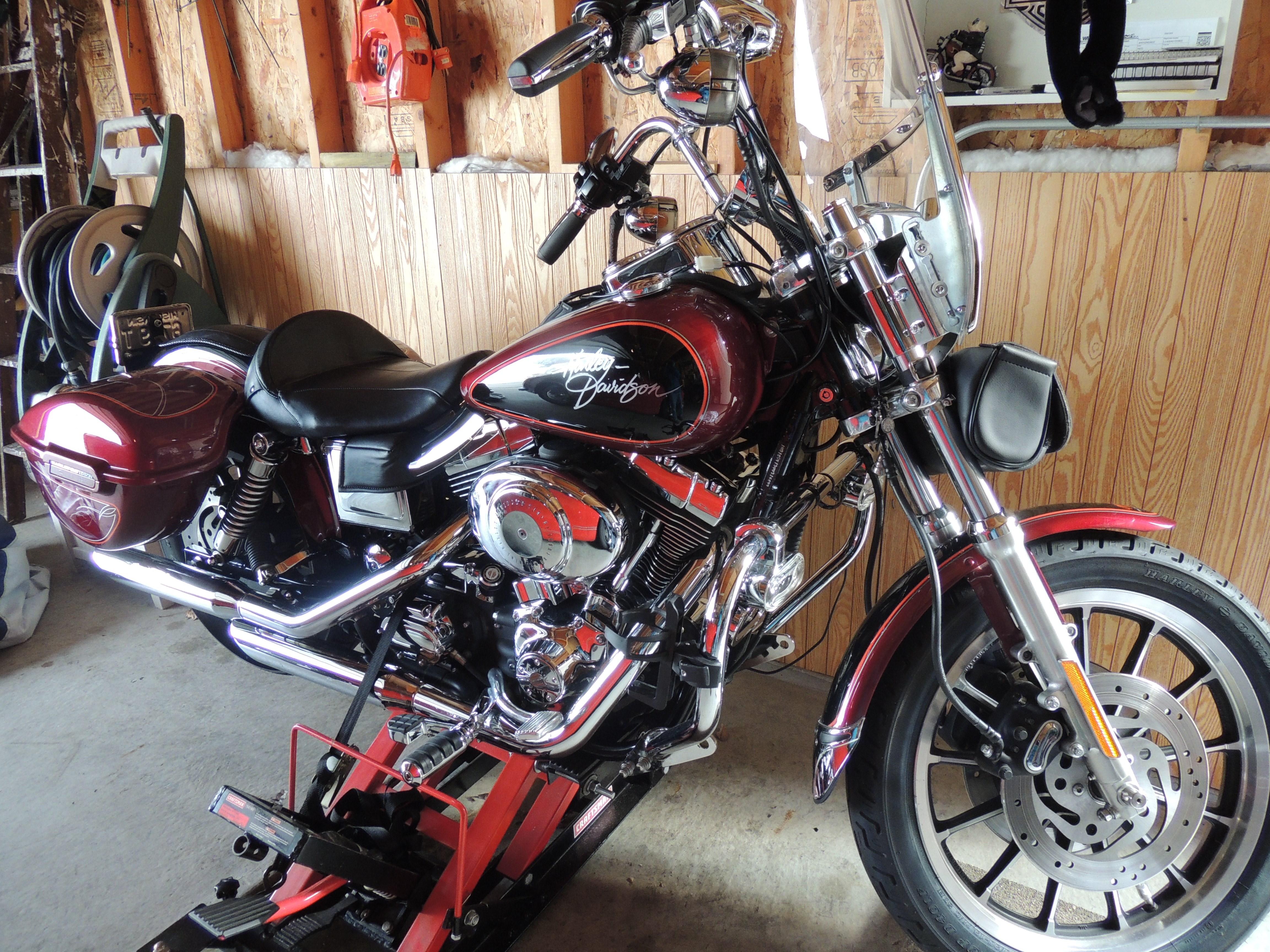 2000 harley davidson fxdl dyna low rider maroon milwaukee wisconsin 564463. Black Bedroom Furniture Sets. Home Design Ideas