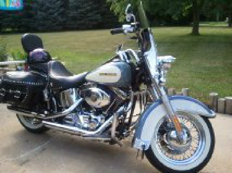2002 harley davidson flstc i heritage softail classic blue pearl over confederate grey and. Black Bedroom Furniture Sets. Home Design Ideas