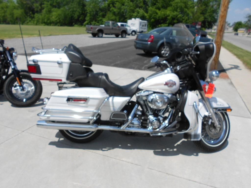2007 Harley-Davidson® FLHTCU Ultra Classic® Electra Glide® – $12500