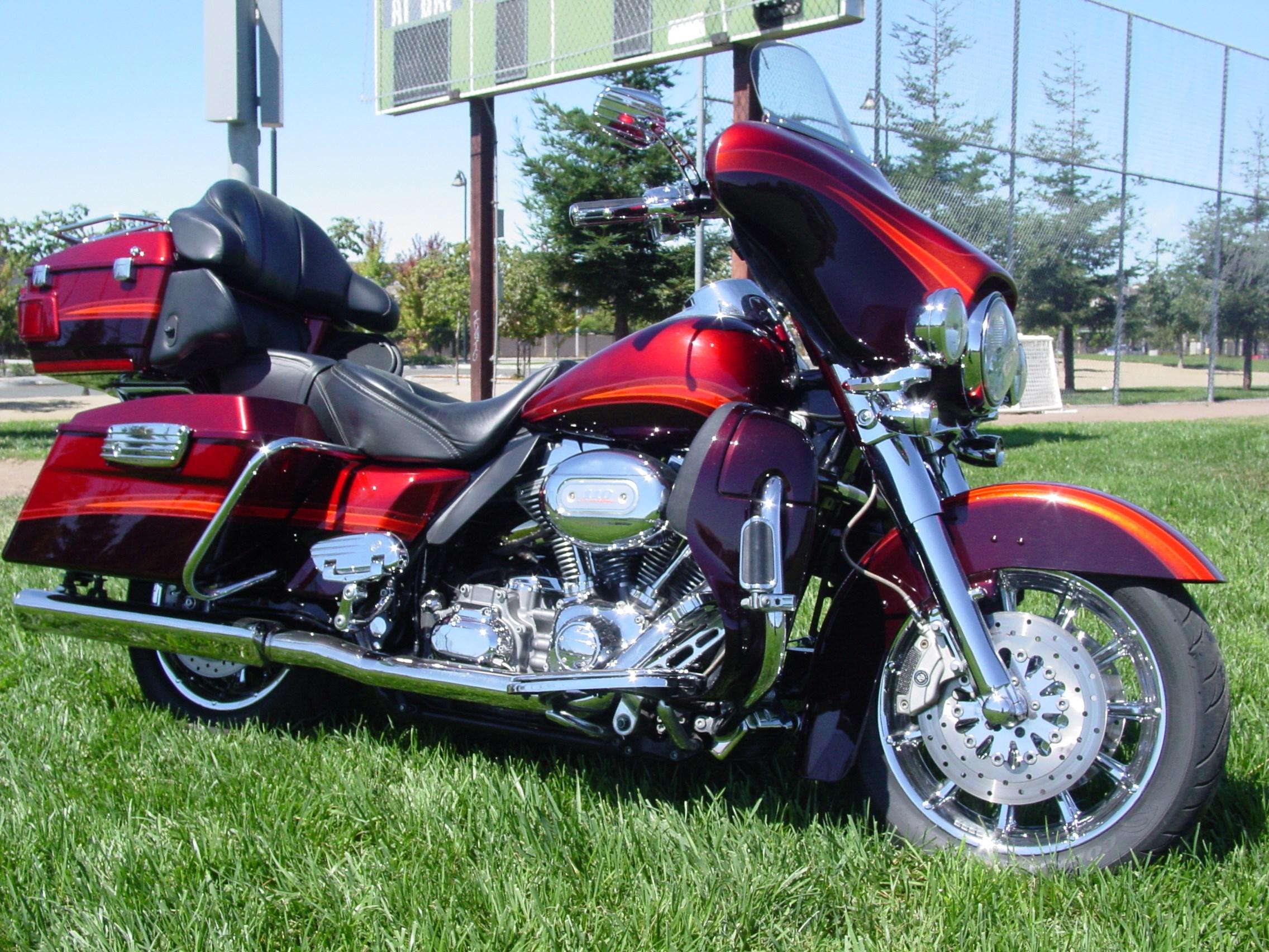 2009 Harley Davidson 174 Flhtcuse4 Cvo Ultra Classic
