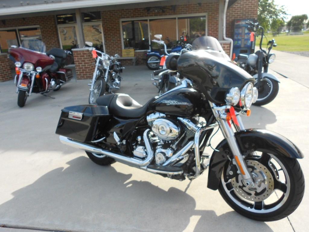 2013 Harley-Davidson® FLHX Street Glide® – $18500